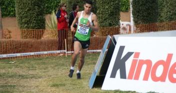Rabhi corriendo una prueba de cross