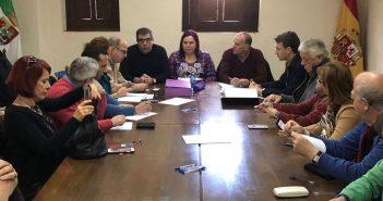 La consejera Begoña García visita La Vera tras los daños causados por lluvia y viento