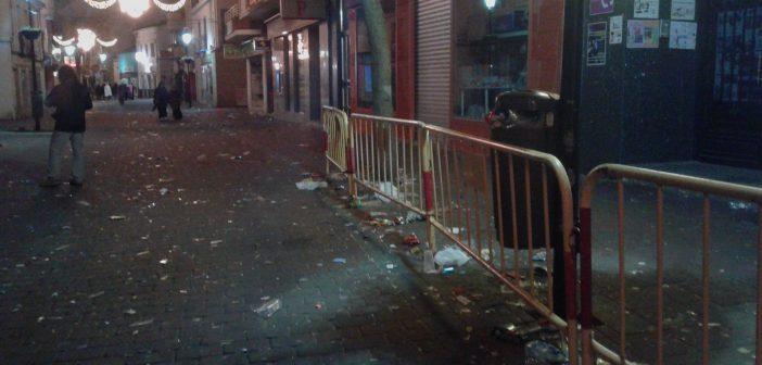 La Policía interpone 6 denuncias por verter residuos en la vía pública