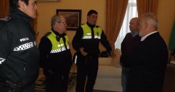 policías locales en Ayuntamiento