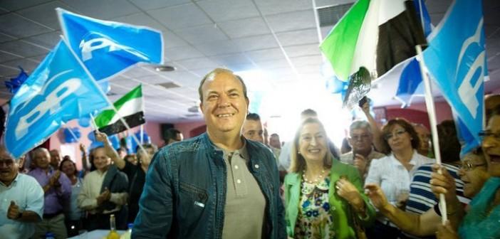 Monago en un acto con líderes de su partido