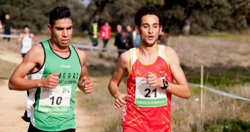 Brahim Rabhi y otro atleta
