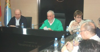 Pascual, Mateos y Rodicio en un pleno