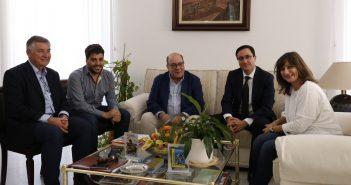 La alcaldesa morala se reúne con el director de CNA y reitera su apoyo a la central
