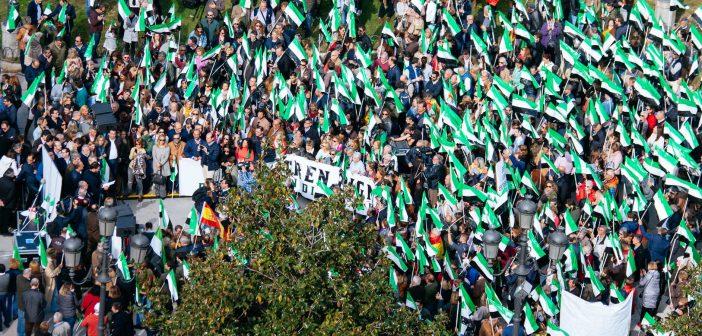 Cientos de personas se manifiestan en Madrid por un tren digno